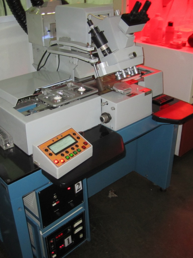 """Установка совмещения и экспонирования """"ЭМ-5026А"""" с модернизированной СУ"""